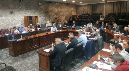 «Κόντρες» πάνω στον… πάγο στο δημοτικό συμβούλιο Λάρισας – Αντιδράσεις για απ' ευθείας ανάθεση στο Πάρκο των Ευχών