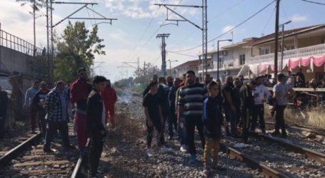 Ακινητοποιημένο τρένο στη Νέα Σμύρνη – Κάτοικοι απέκλεισαν τις γραμμές