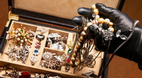 Καταδικάστηκε τσιγγάνα που έκλεψε κοσμήματα στα Λεχώνια