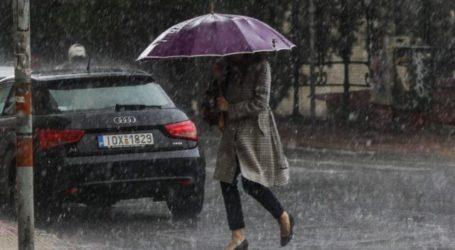 Κακοκαιρία με καταιγίδες και ανέμους θα σαρώσει τη χώρα – Προειδοποιήσεις των μετεωρολόγων