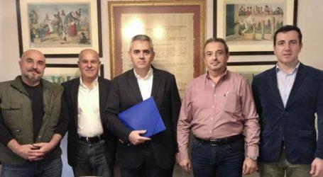 Χαρακόπουλος με θεσσαλικό σύλλογο ιδιοκτητών φωτοβολταϊκών: Άρση των εμποδίων στην ανάπτυξη των ΑΠΕ