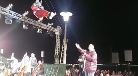Στις πρόβες της τελετής φωταγώγησης με τον Αχιλλέα Μπέο και τον ιπτάμενο Αϊ Βασίλη – Δείτε το βίντεο
