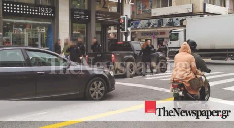 Βόλος: Επίθεση οδηγού σε δημοτικό αστυνομικό – Δείτε φωτογραφίες και βίντεο