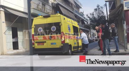 ΤΩΡΑ: Στο Νοσοκομείο Βόλου ηλικιωμένος μετά από πτώση [αποκλειστικές εικόνες]