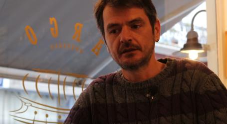 Ένας Βολιώτης άνοιξε καφέ με το όνομα Argo στις Βρυξέλλες και κατέκτησε τους Βέλγους – Δείτε το βίντεο