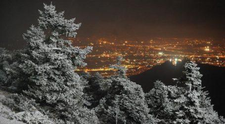 ΤΩΡΑ: Συνεχίζεται η χιονόπτωση στο Πήλιο – Απευθείας σύνδεση με Τσαγκαράδα