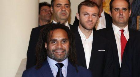 «Χρόνια πολλά» σε Καρεμπέ και Αβραάμ ο Ολυμπιακός – Ποδόσφαιρο – Super League 1 – Ολυμπιακός