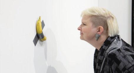 Viral η τρολιά Βολιώτη στο έργο του Μαουρίτσιο με τη μπανάνα – Τι κρέμασε στον τοίχο [εικόνα]