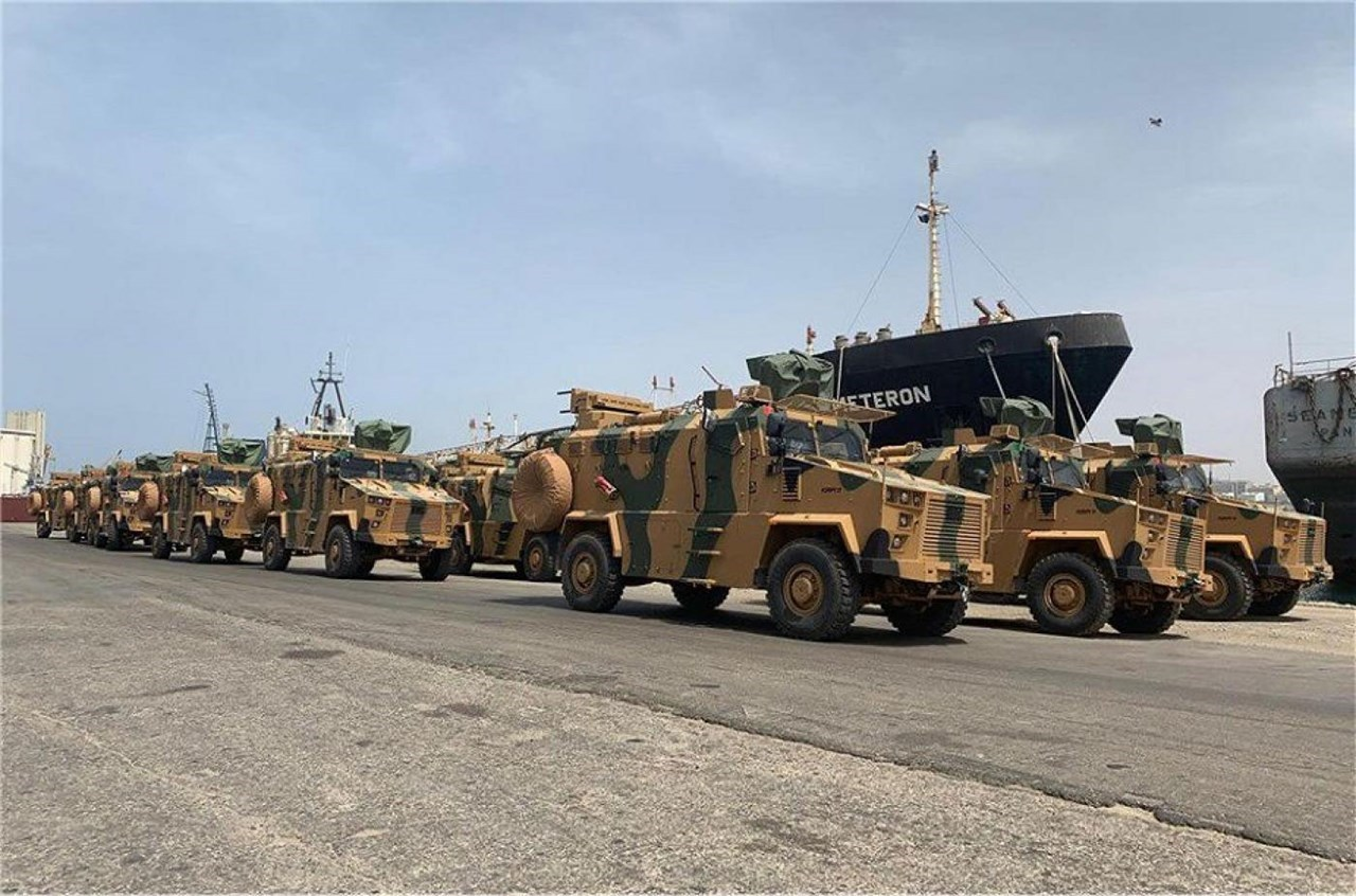 Τεθωρακισμένα μεταφοράς προσωπικού τύπου KIRPI τουρκικής κατασκευής στο λιμάνι της Τρίπολης