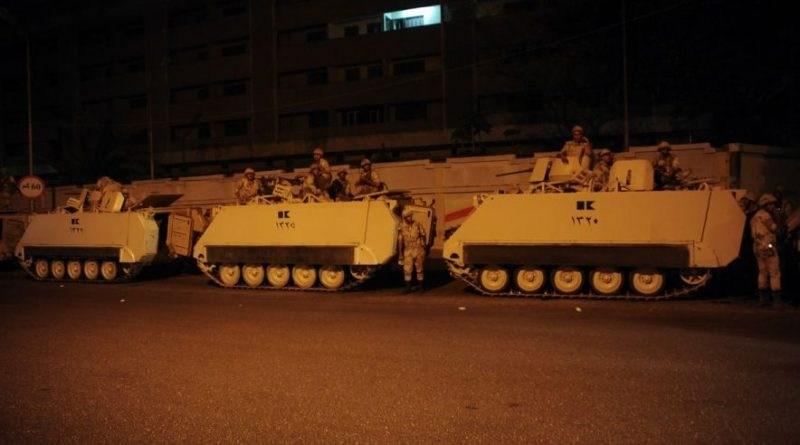 Δυνάμεις αιγυπτιακών τεθωρακισμένων στάλθηκαν στη Λιβύη
