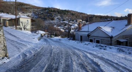 Ο χιονιάς πολιορκεί την Ελλάδα