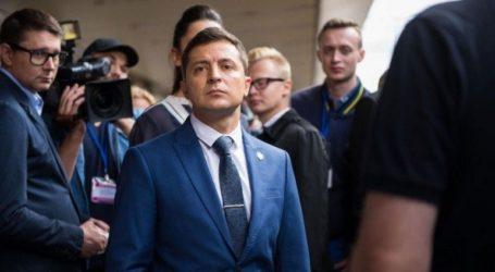 Ο Ουκρανός πρόεδρος Ζελένσκι αρνείται την ύπαρξη συμφωνίας με τον Ντ. Τραμπ