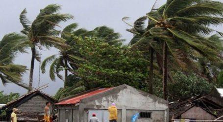 Στους 10 οι νεκροί από τον τυφώνα Καμούρι
