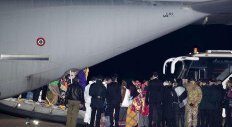 Στην Ιταλία μεταφέρονται 43 πρόσφυγες από τη Μυτιλήνη