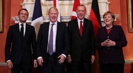 Βιβλία με την «ισχυρή Τουρκία» μοίραζε ο Ερντογάν στους ηγέτες στο ΝΑΤΟ