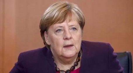 Επίσκεψη Μέρκελ στο Άουσβιτς – Θα ανακοινώσει κρατική δωρεά 60 εκατ. ευρώ