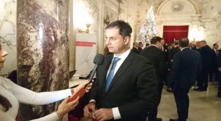 Θεοχάρης : Η Ελλάδα γυρίζει σελίδα