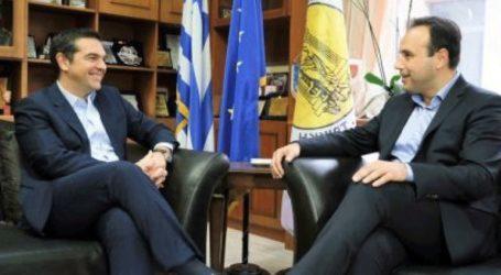 Συνάντηση του Αλ. Τσίπρα με τον πρόεδρο της ΚΕΔΕ