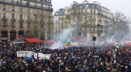 Εκατοντάδες χιλιάδες διαδηλωτές ξανά στους δρόμους της Γαλλίας
