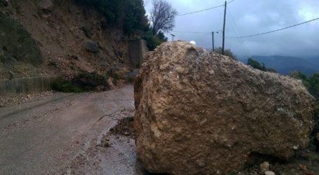 Καταπτώσεις βράχων από τις βροχοπτώσεις και χιόνια στα ορεινά