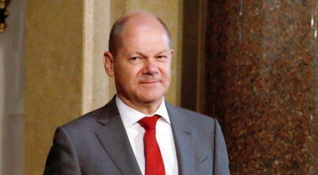 «Ο Σολτς δεν παραιτείται παρά την ήττα του στις εσωκομματικές εκλογές»