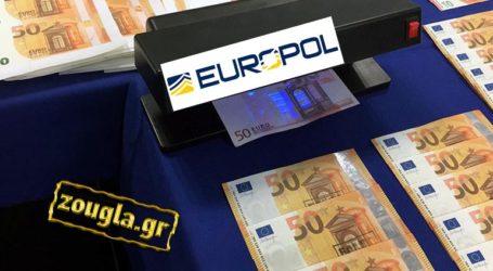 """Εξαρθρώθηκε δίκτυο """"μαμούθ"""" που διακινούσε πλαστά ευρώ"""