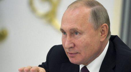 «Κατέβασε ρολά» σε οκτώ πολιτικά κόμματα ο Πούτιν
