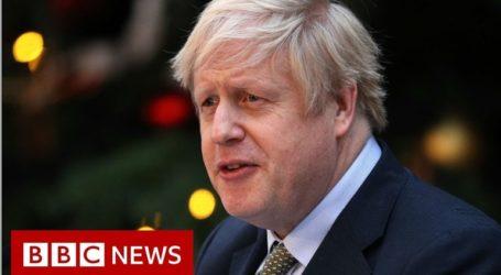 Ο Τζόνσον κόβει τη χρηματοδότηση του BBC