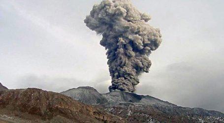 Μοναδικό βίντεο μέσα από τον κρατήρα του ηφαιστείου Σαμπανκάγια που εξερράγη