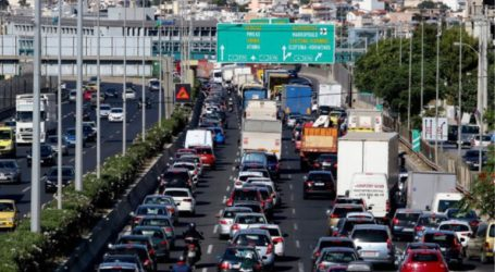 Αυξημένη η κίνηση στους δρόμους της Αττικής