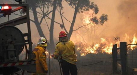 Mαίνονται οι πυρκαγιές στην Αυστραλία