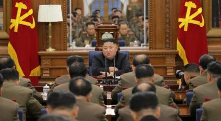 Συνεδρίαση της Κεντρικής Στρατιωτικής Επιτροπής υπό τον Κιμ Γιονγκ Ουν