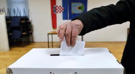 Στις κάλπες οι Κροάτες για τον πρώτο γύρο των προεδρικών εκλογών