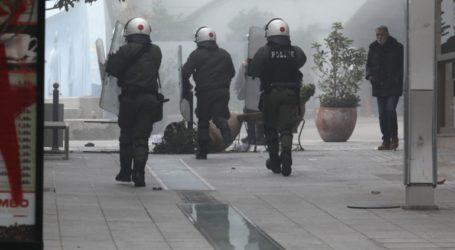 Άγριες συμπλοκές αντιεξουσιαστών με την Αστυνομία στο Μαρούσι
