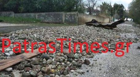 «Εξαφανίστηκε» η παραλία της Πάτρας από την κακοκαιρία
