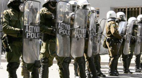 Υποχρέωση όλων των αστυνομικών να φέρουν διακριτικά στη στολή τους