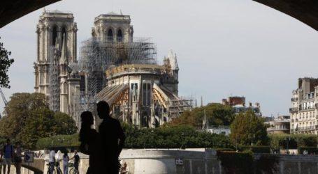 Σοκ στο Παρίσι: Η Notre Dame κινδυνεύει να καταρρεύσει