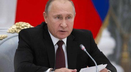 Με οικογένεια και φίλους προτιμά ο Πούτιν να υποδεχθεί τον νέο χρόνο