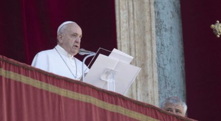 Ο πάπας Φραγκίσκος ζητεί από τις οικογένειες των πιστών να κλείσουν το κινητό και να αρχίσουν τον διάλογο