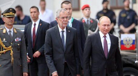 Ο Πούτιν προσκάλεσε τον Αυστριακό ομόλογό του στους εορτασμούς για την 75η επέτειο της συντριβής της ναζιστικής Γερμανίας