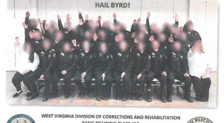 Εκπαιδευόμενοι φρουροί φυλακών θα απολυθούν λόγω ομαδικού ναζιστικού χαιρετισμού