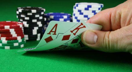 Η αγάπη τους για τον τζόγο τους έστειλε στο… τμήμα: Δέκα συλλήψεις για παράνομο πόκερ στη Λάρισα!