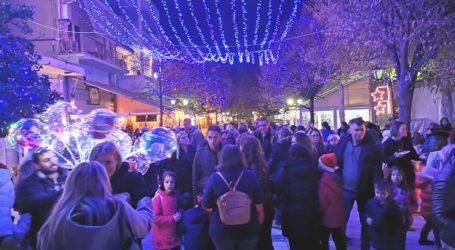 Άναψε το Χριστουγεννιάτικο δέντρο – Μεγάλη γιορτή και στο Βελεστίνο [εικόνες]