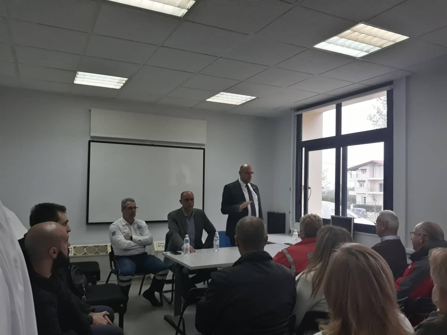 Στη Λάρισα ο πρόεδρος του ΕΚΑΒ - Τι συζήτησε με τους εργαζόμενους (φωτο)