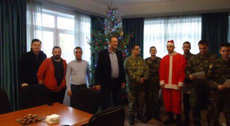 Γέμισε χριστουγεννιάτικες μελωδίες το Δημαρχείο Τυρνάβου (φωτο)