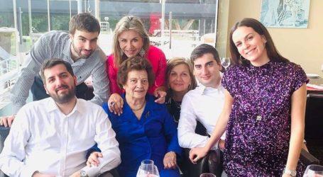 Ζέττα Μακρή: Ευχές από τρεις γενιές οικογένειας