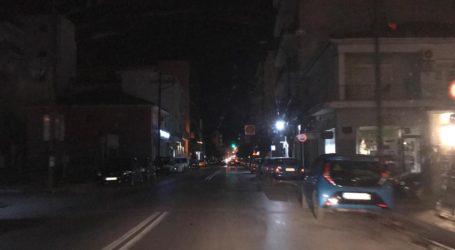 ΤΩΡΑ: Σκοτάδι στο κέντρο του Βόλου [εικόνες]