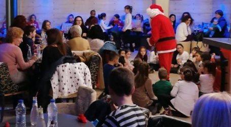 Παιδικά χαμόγελα στα Χριστουγεννιάτικα πάρτυ των ΚΔΑΠ Ρήγα Φεραίου