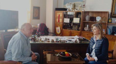 Συνάντηση της Βουλευτή Μαγνησίας Ζέττας Μακρή με τον Δήμαρχο Βόλου Αχιλλέα Μπέο.