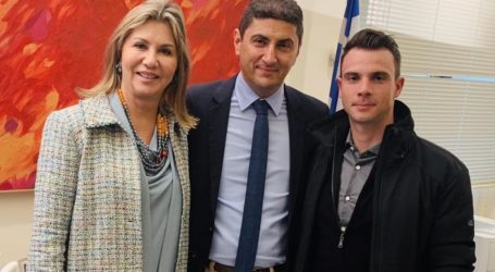 Προτεραιότητα οι αθλητές και οι ανάγκες τους δήλωσε ο Λευτέρης Αυγενάκης στη Ζέττα Μακρή και τον Χρήστο Βολικάκη